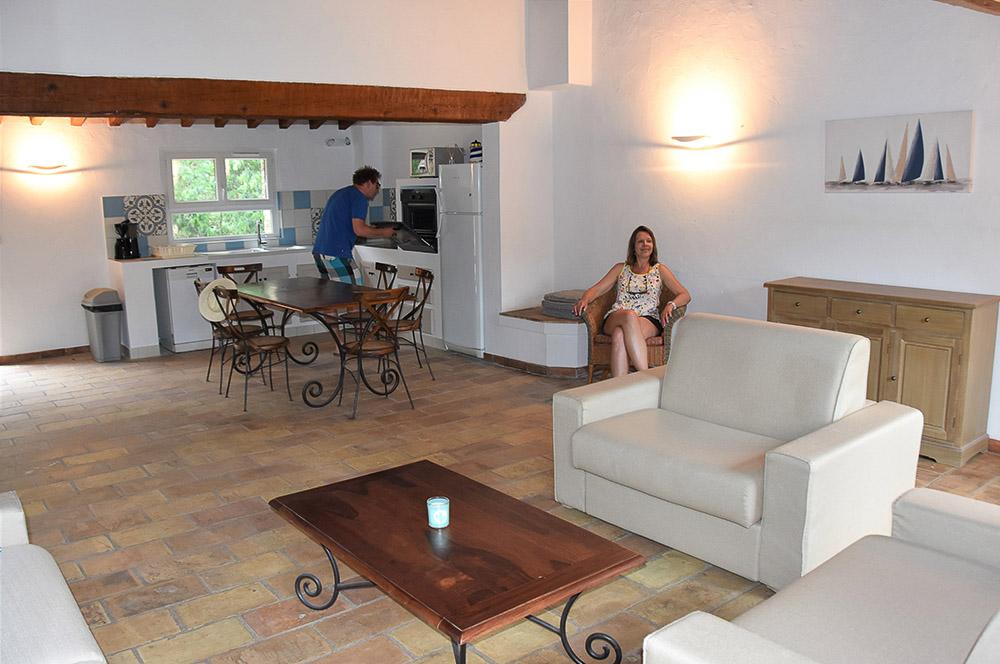 La Rabeaudière 2: woonkamer & Amerikaanse keuken