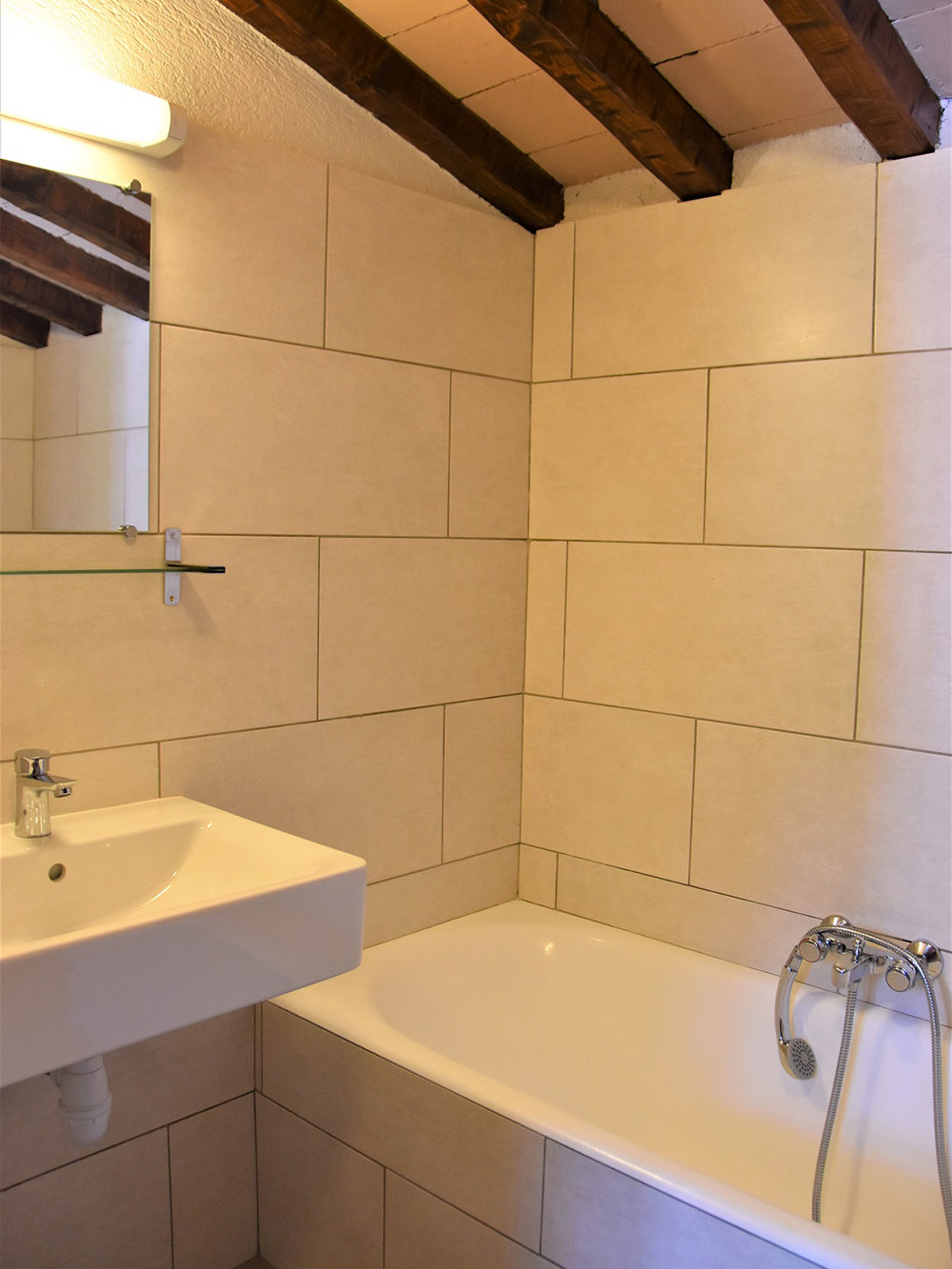 Studio d'Augias 1: bathroom