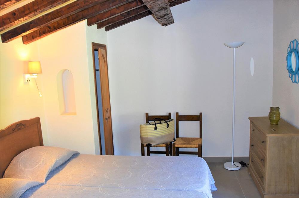 Studio d'Augias 2: main room, open on the terrace