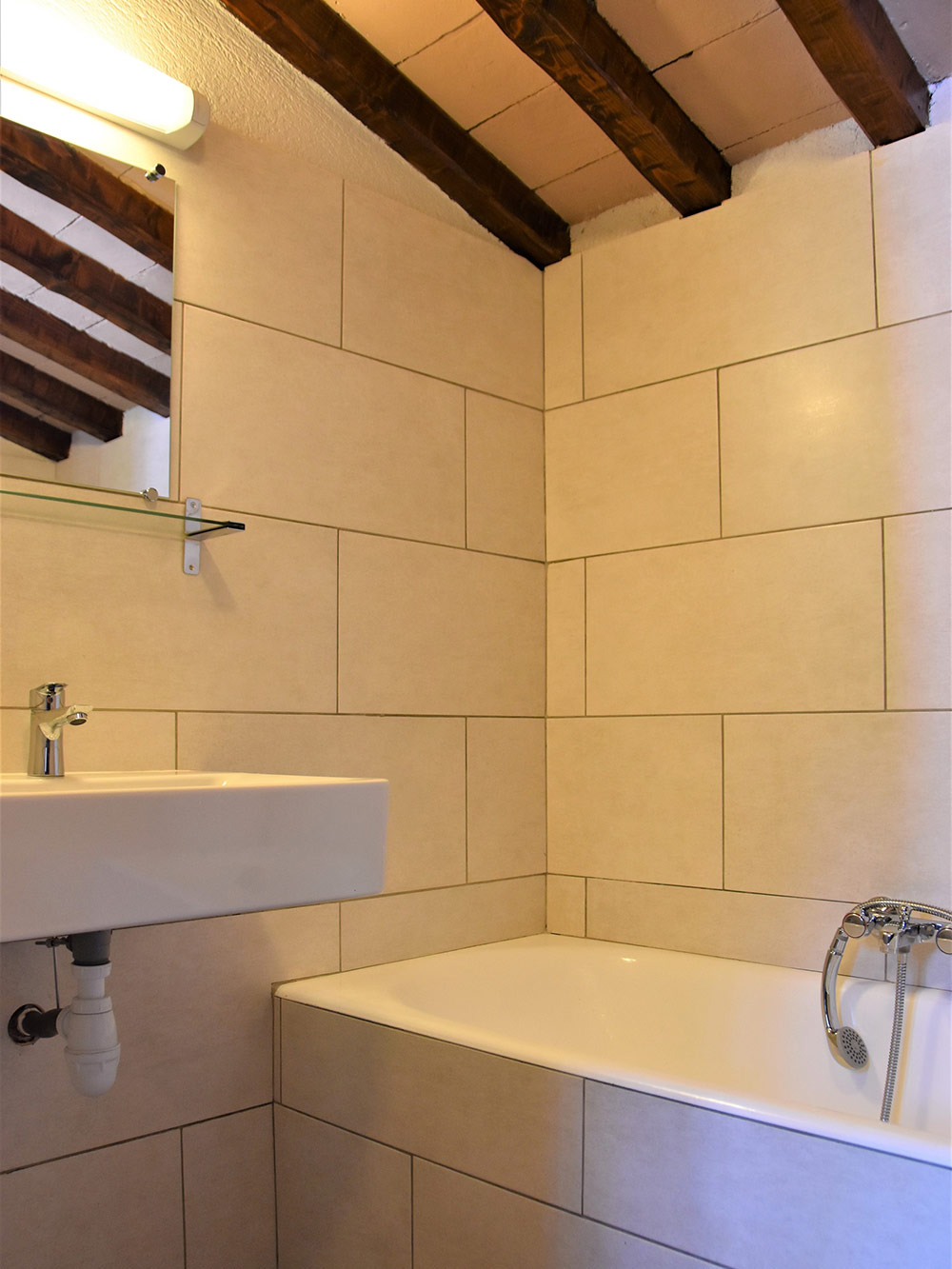 Studio d'Augias 2: bathroom